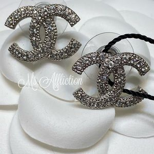CHANEL NEW! Crystal CC Earrings *Rare* Silver 2020